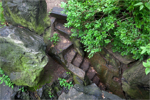 Look at the staircase to this secret Central Park cave! Photo: central-park-cave-untappedcities-com.jpg